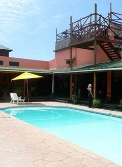 Swimming pool at Kaya Kweru