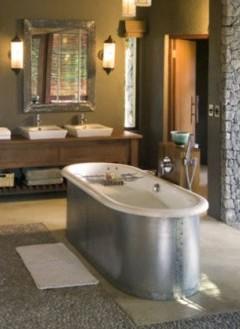 Bathroom at Leadwood Lodge